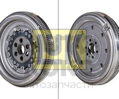 Маховик LUK 415 0744 09 VW Caddy Golf Passat Skoda Superb Yeti